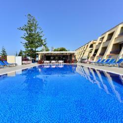 Napa Prince Hotel Apartments Pool Bar