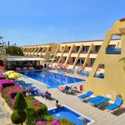 Napa Prince Hotel Apartments Pool